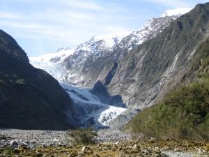 le glacier Franz Josef coincé entre deux montagnes