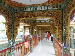 Les arches décorées du pont
