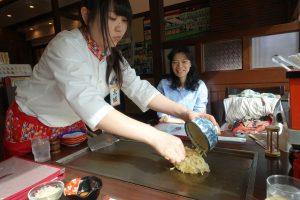 Préparation de l'okonomiyaki