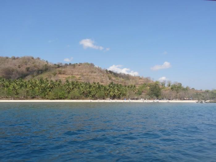 Gili Gede vue depuis la mer